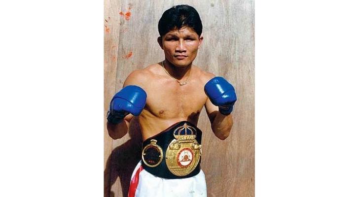 10 รายชื่อนักมวยไทย ที่เคยได้แชมป์มวยโลก เขาทราย แกแล็คซี่